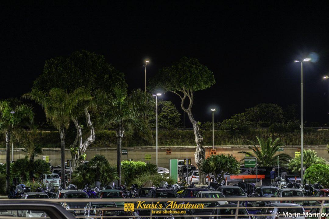 Am Flughafen Malta in der Nacht / Летище Малта през ноща
