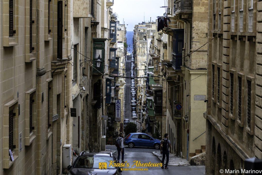 Strasse auf Malta / Улица в Малта