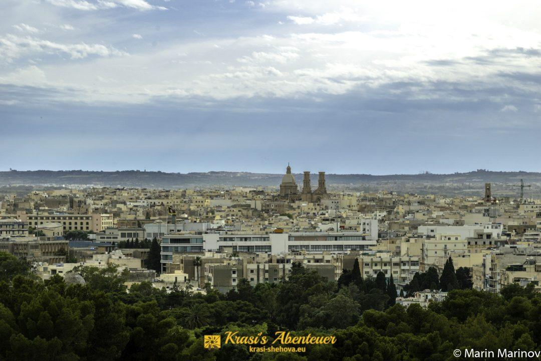 Aussicht über Malta vom botanischen Garten / Гледка над града от ботаническата градина