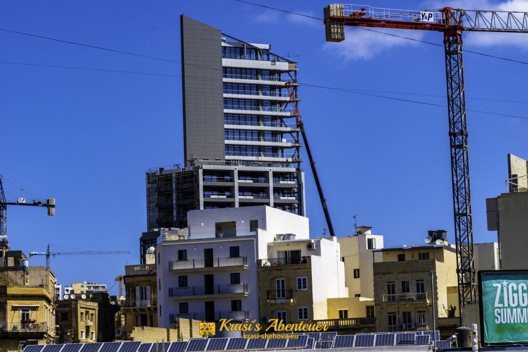 großes Gebäude in Sliema / висока сграда в Слима